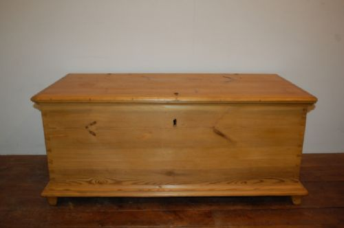 antique pine blanket box dowry chest bedding chest trunk 1860
