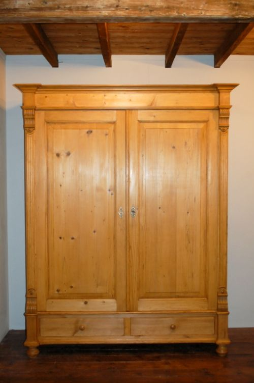 antique pine double wardrobe pine armoire dismantles. Black Bedroom Furniture Sets. Home Design Ideas