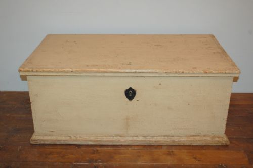 antique pine blanket chest in original paint dowry chest bedding box trunk 1850