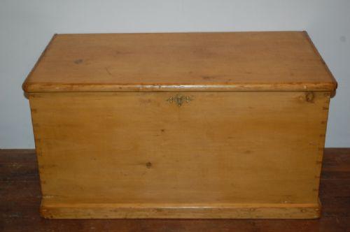 antique victorian pine blanket chest 1880