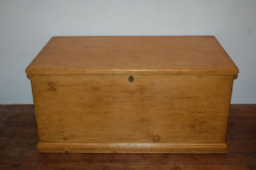 victorian pine blanket or bedding chest 1860