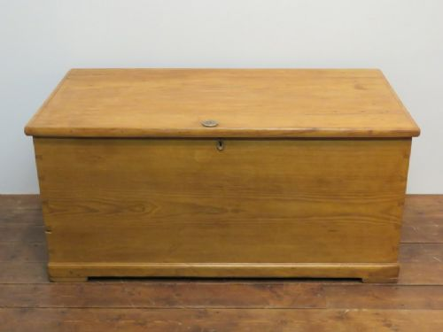 antique early pine blanket chest or bedding box 1850