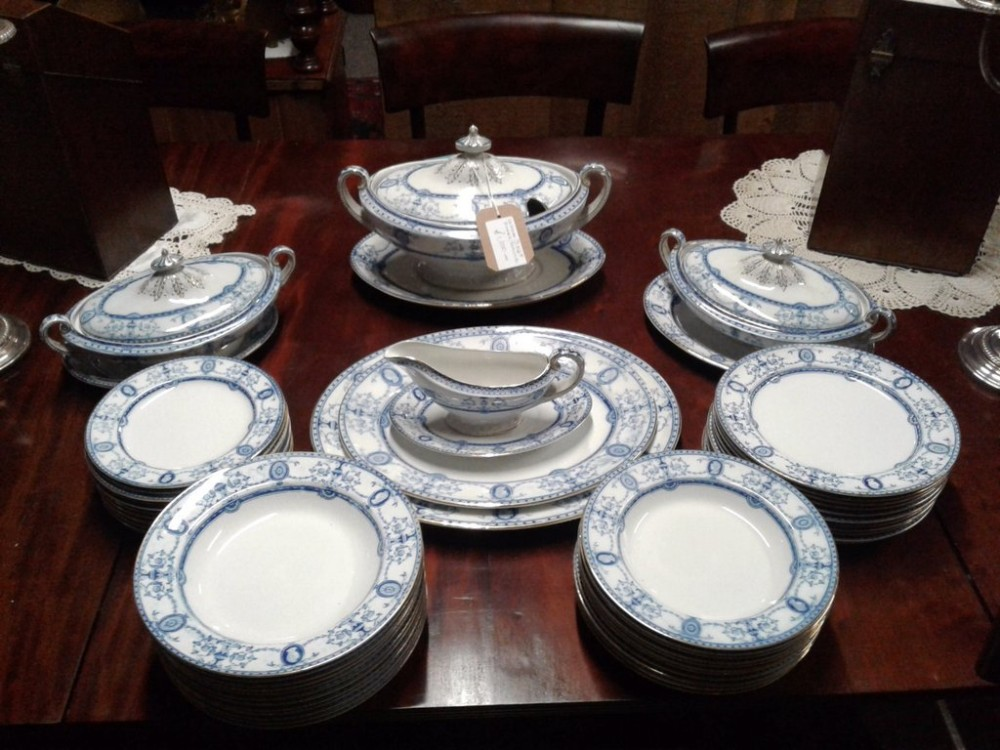 Victorian Blue Gilt White Dinner Service 445073