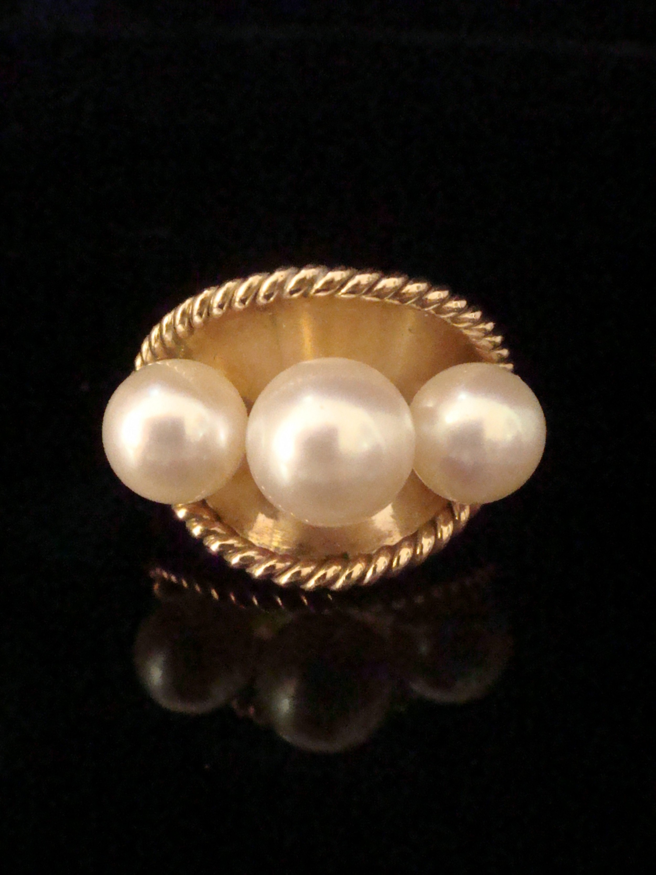 stunning retro 14ct yellow gold cultured pearl ring