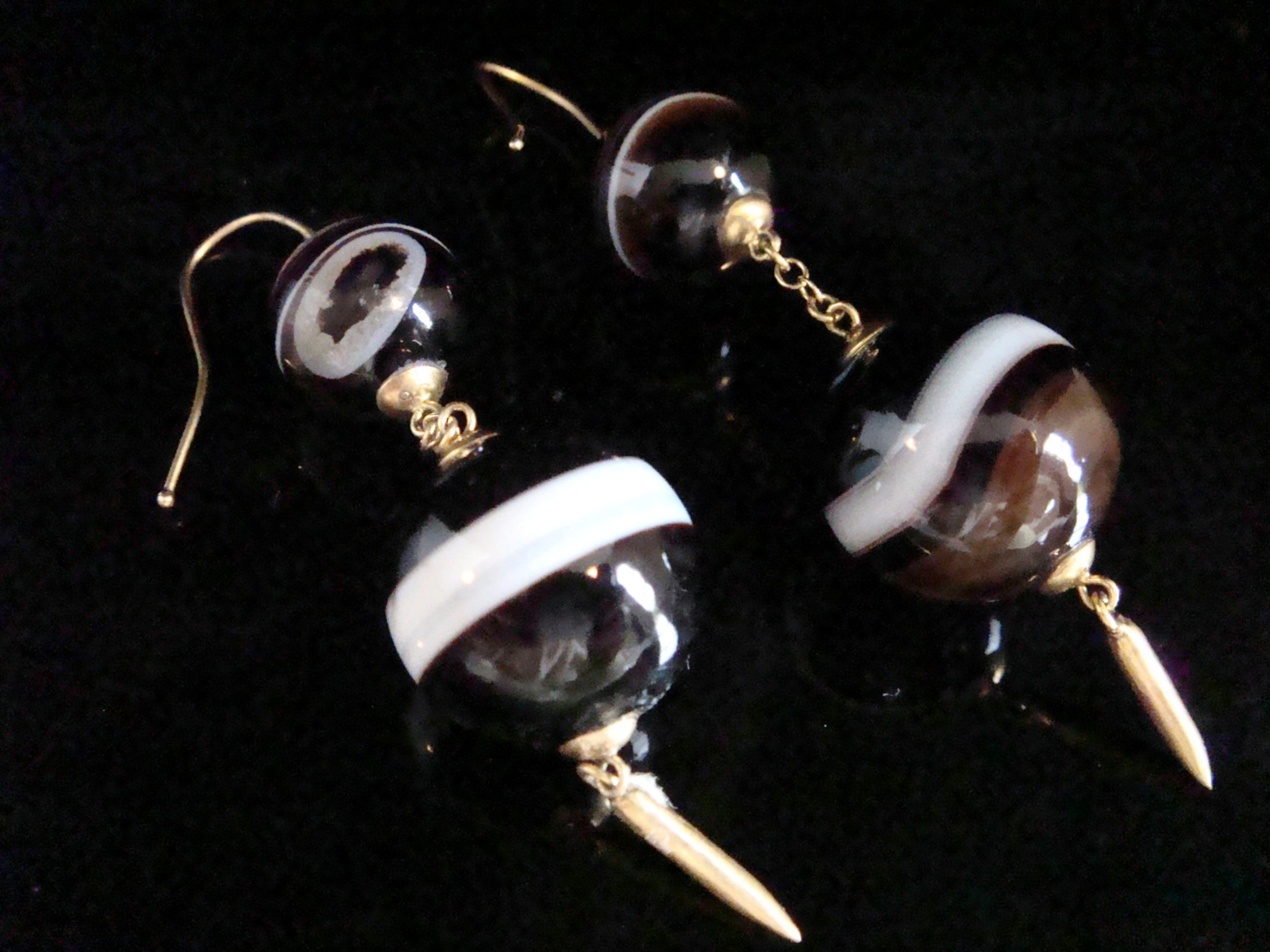 edwardian 18ct yellow gold large banded agate drop earrings
