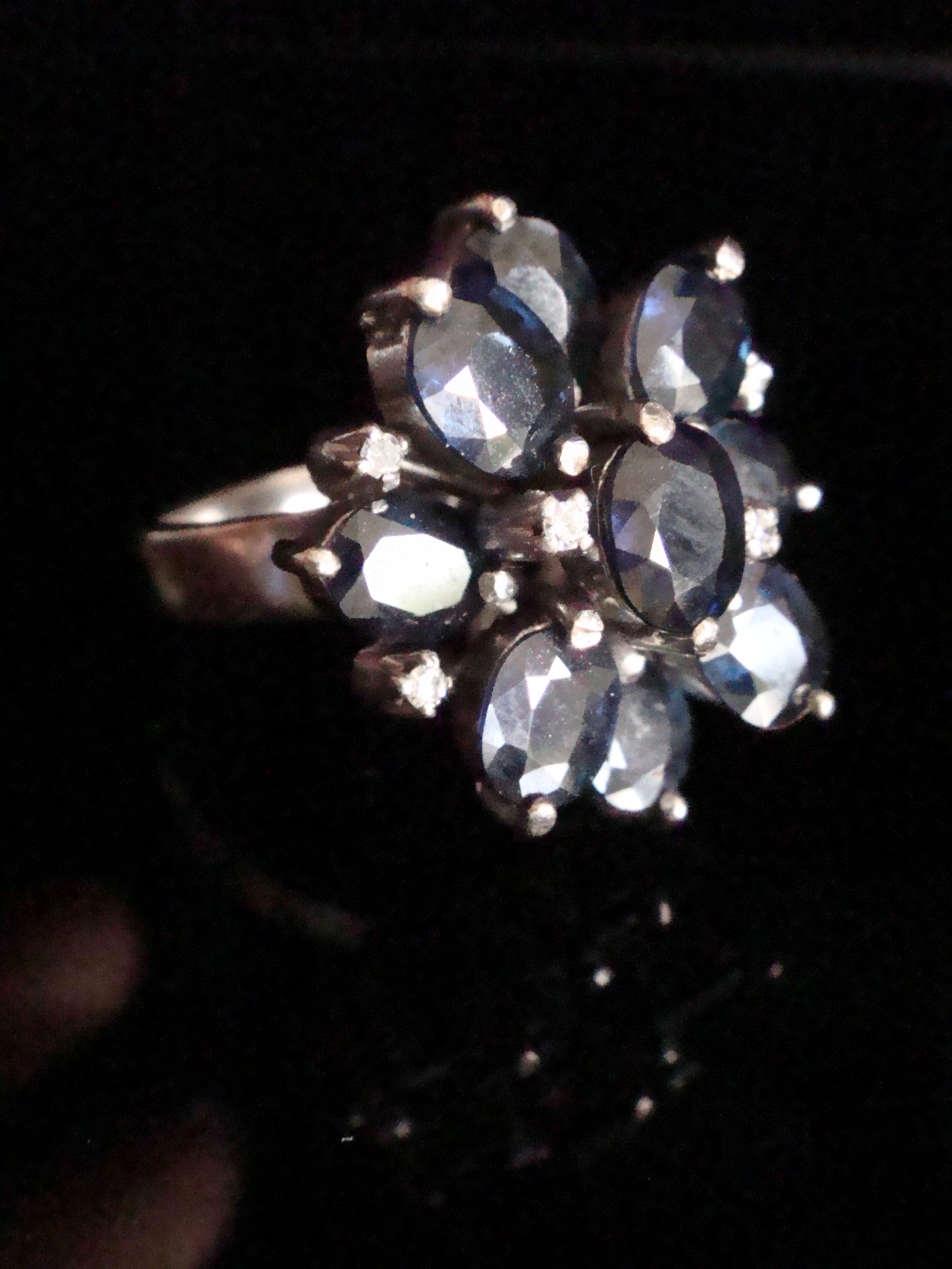 retro 1930s 18ct natural sapphire and diamond cluster ring