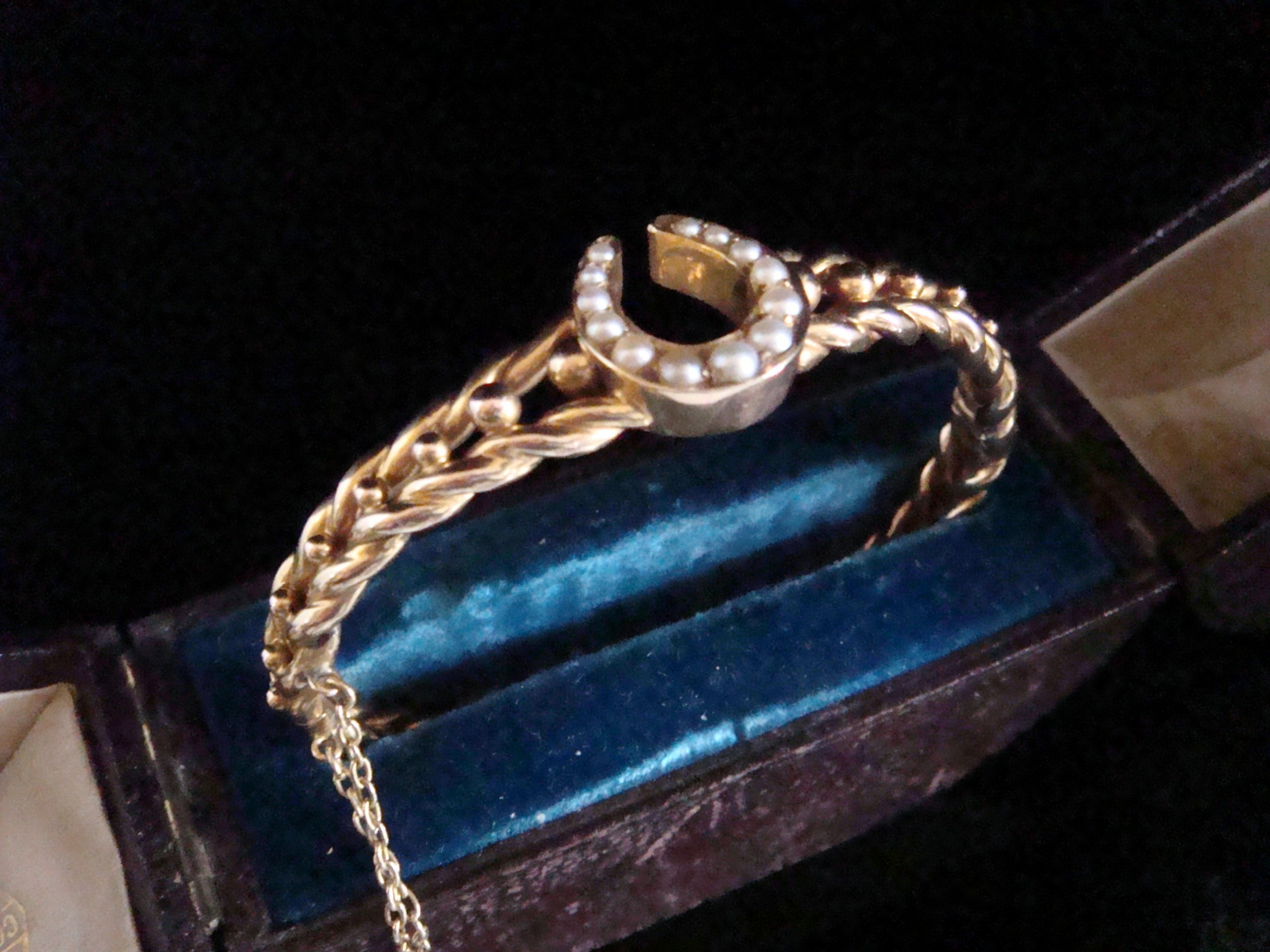 victorian 15ct yellow gold seed pearl horseshoe bangle 152g in original fitted case