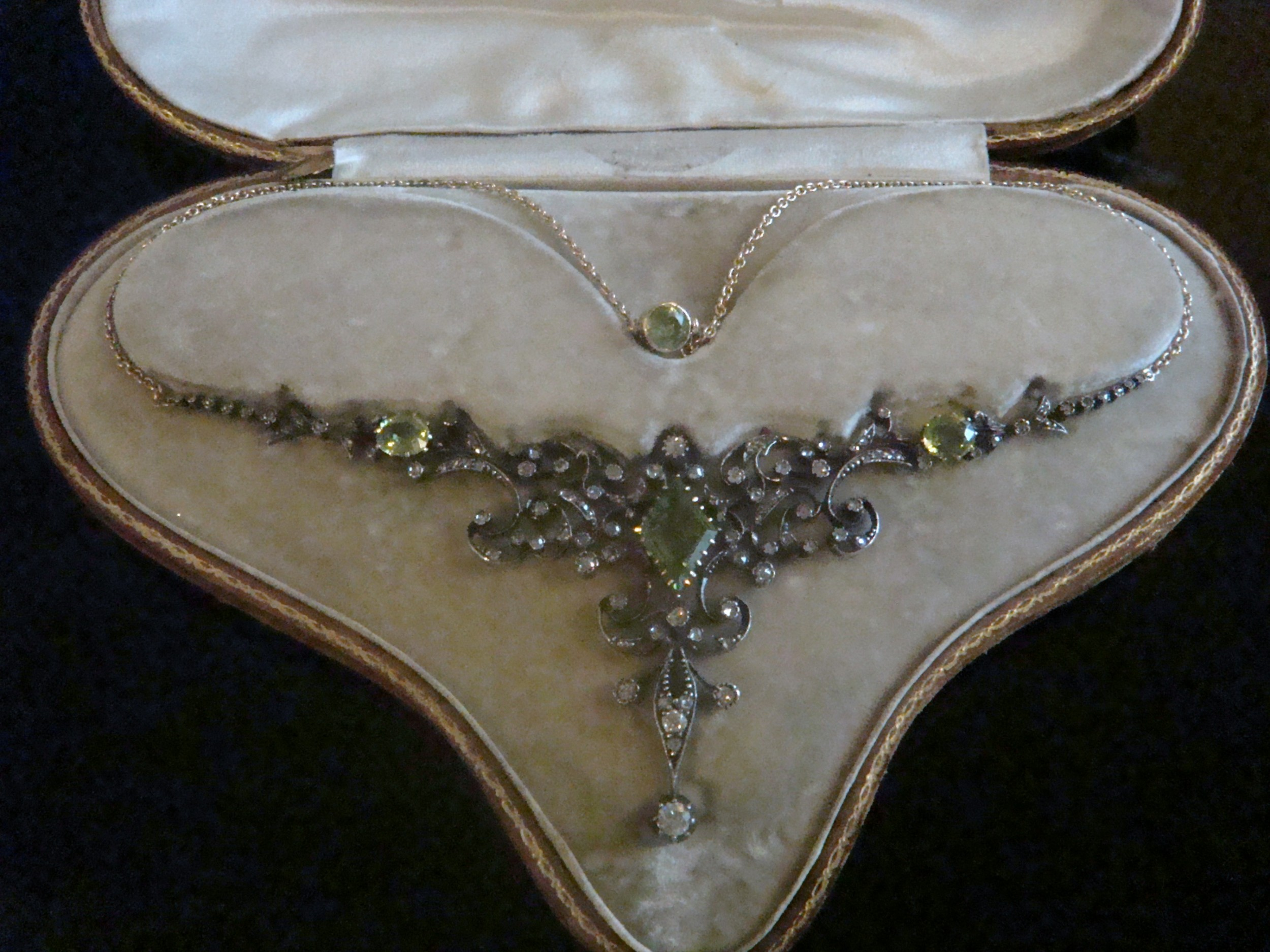 victorian 18ct gold tessier peridot diamond necklace lavaliere fitted box