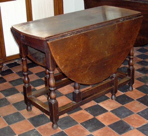 late 17th cent oak gate leg table - photo angle #2