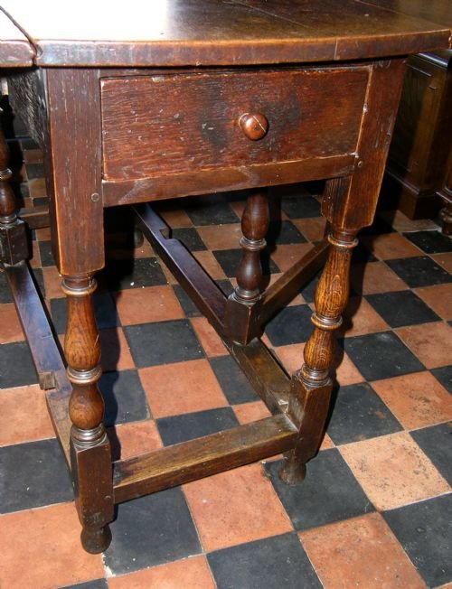 late 17th cent oak gate leg table - photo angle #3