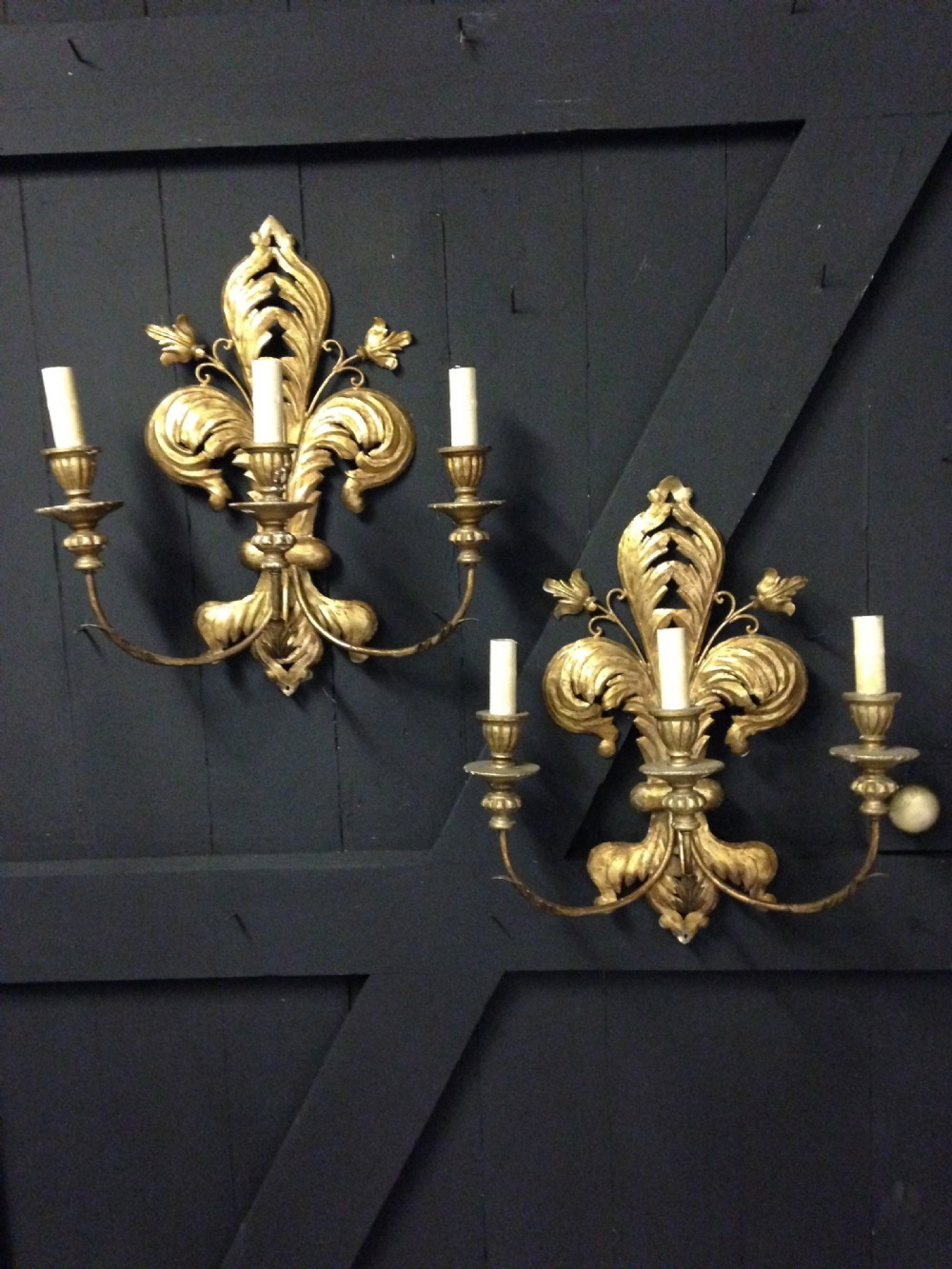 a pair of fleurdelis french gilt walllights