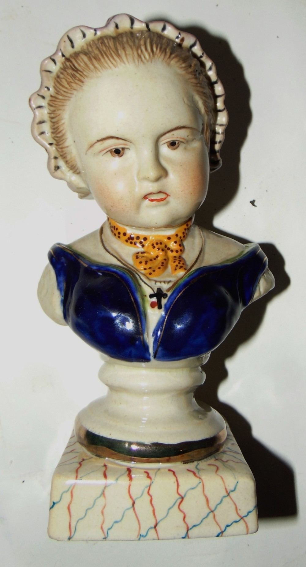 edwardian porcelain bust of young lady circa 1910