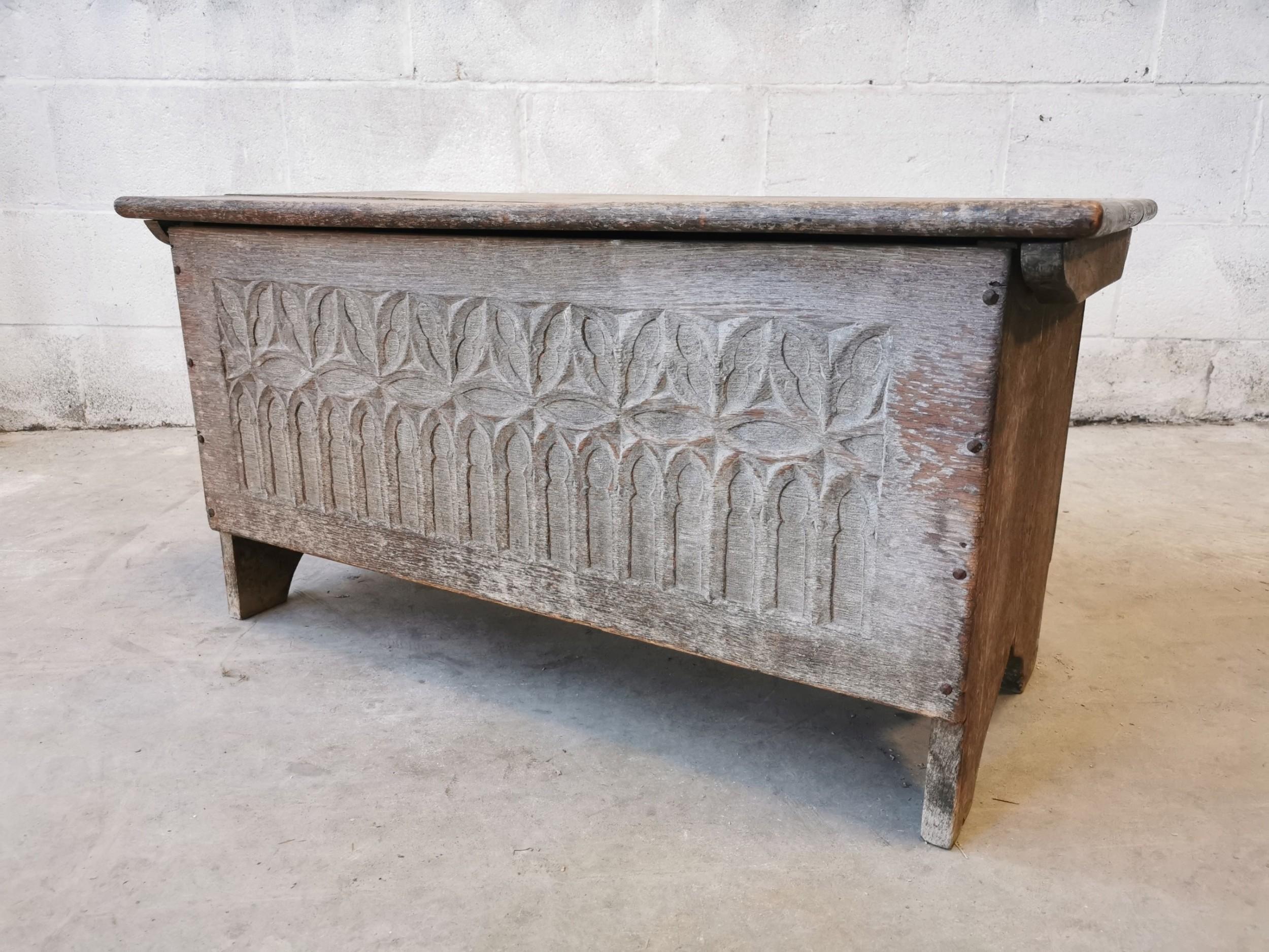 antique distressed linenfold kist blanket chest box