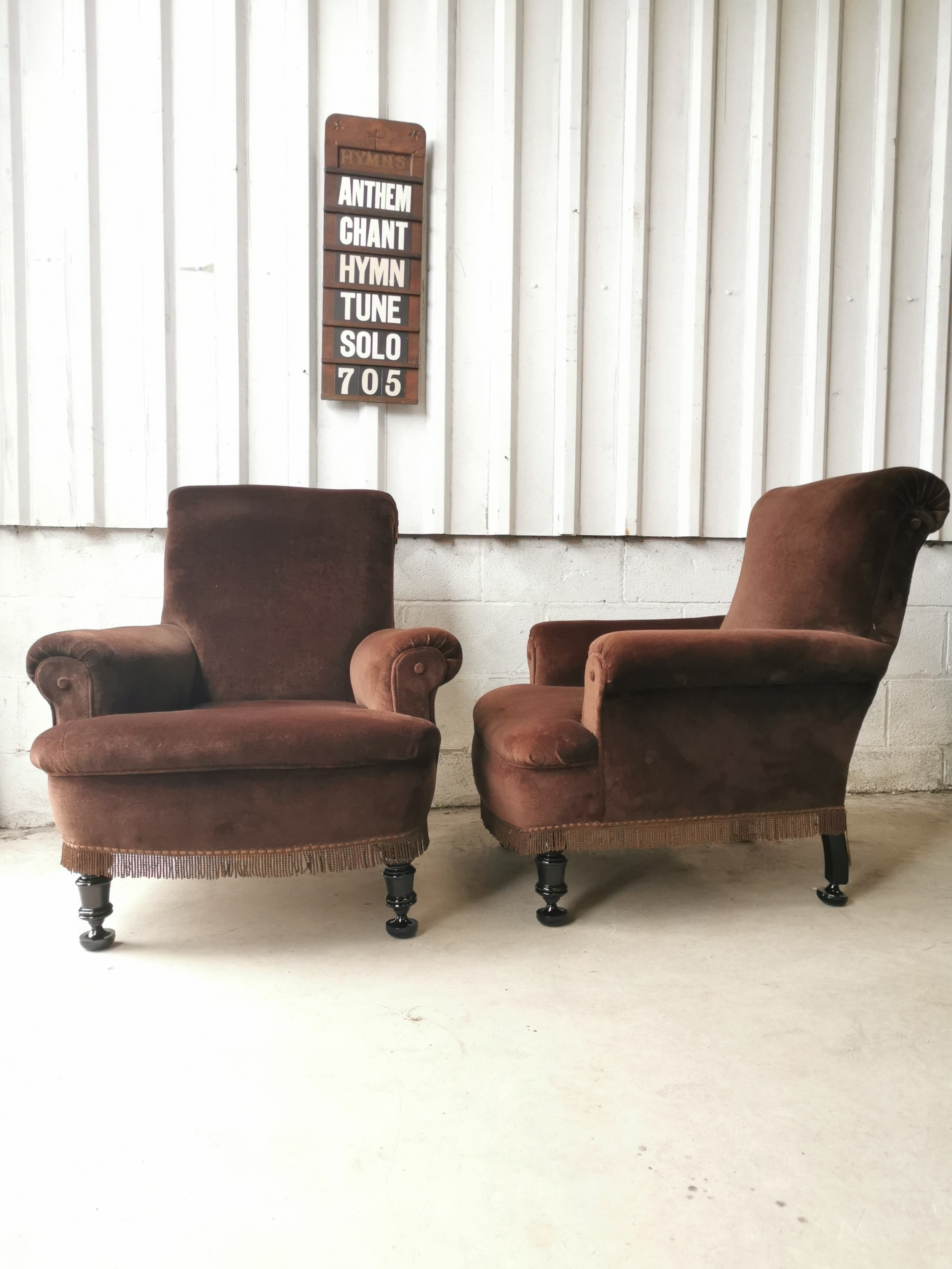 antique pair of deep victorian country house easy armchairs in the manner of howard sons