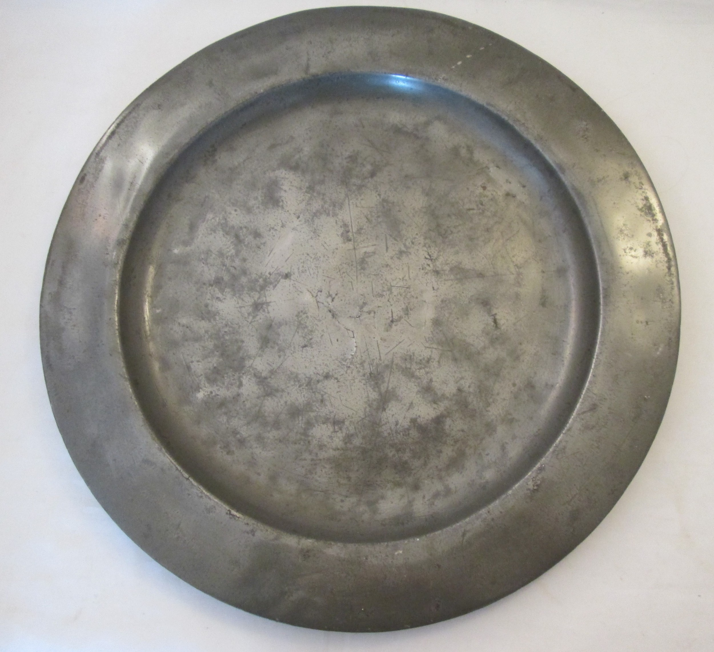 a good pewter charger 18th century 165