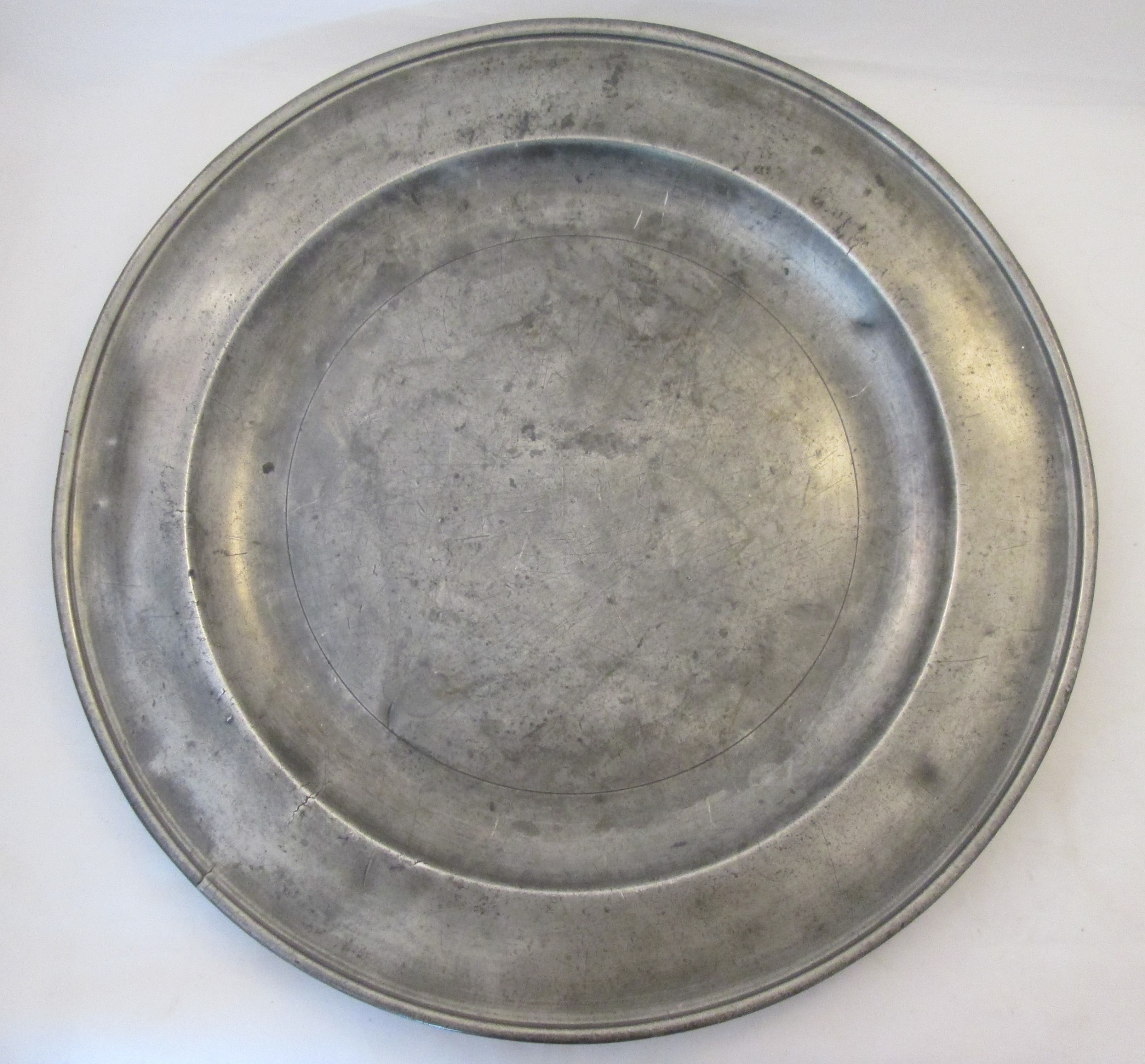very large 18th century pewter charger duncombe 18