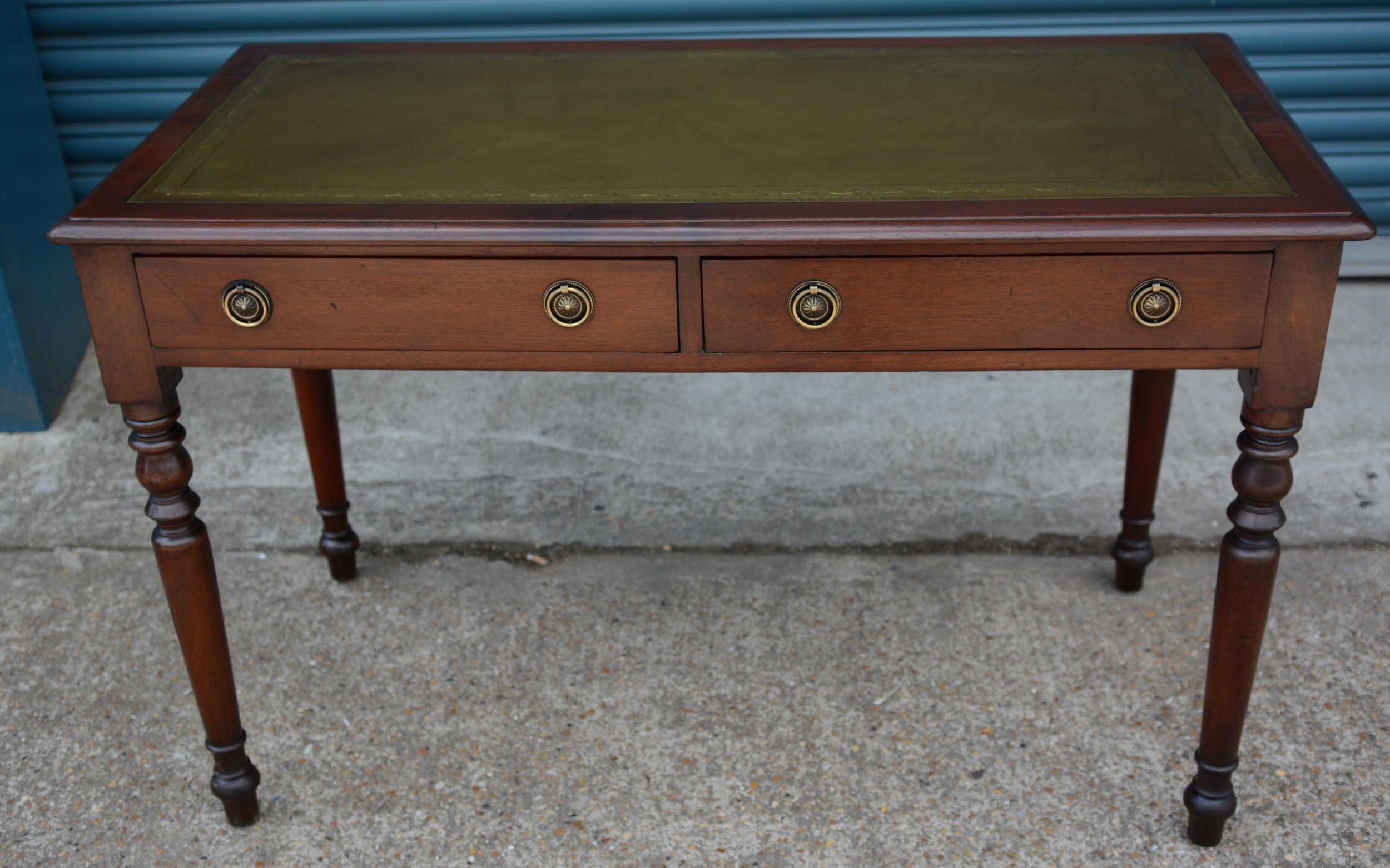 mahogany 2 drawer writing table