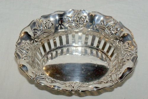 an edwardian oval art nouveau pierced side basket 1904 - photo angle #3