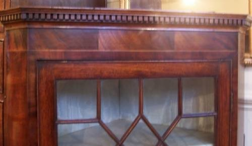 georgian mahogany corner cupboard circa 1785 - photo angle #2