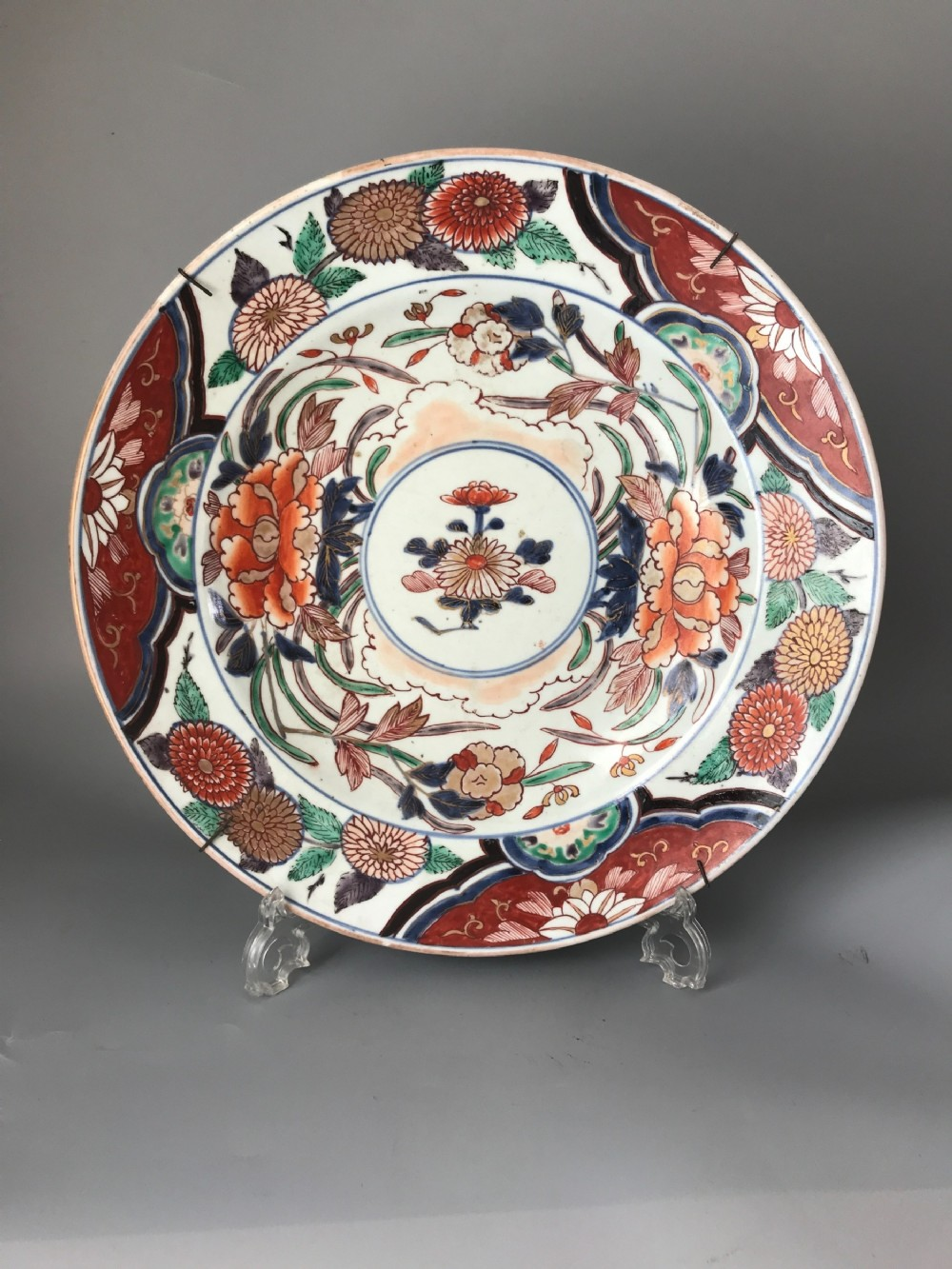large japanese imari charger circa 1690