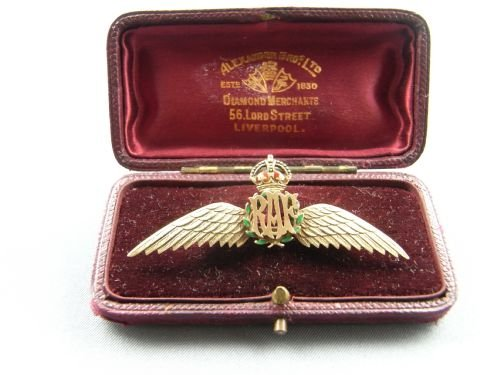 15ct Gold And Enamel Raf Wings Sweetheart Brooch | 112425