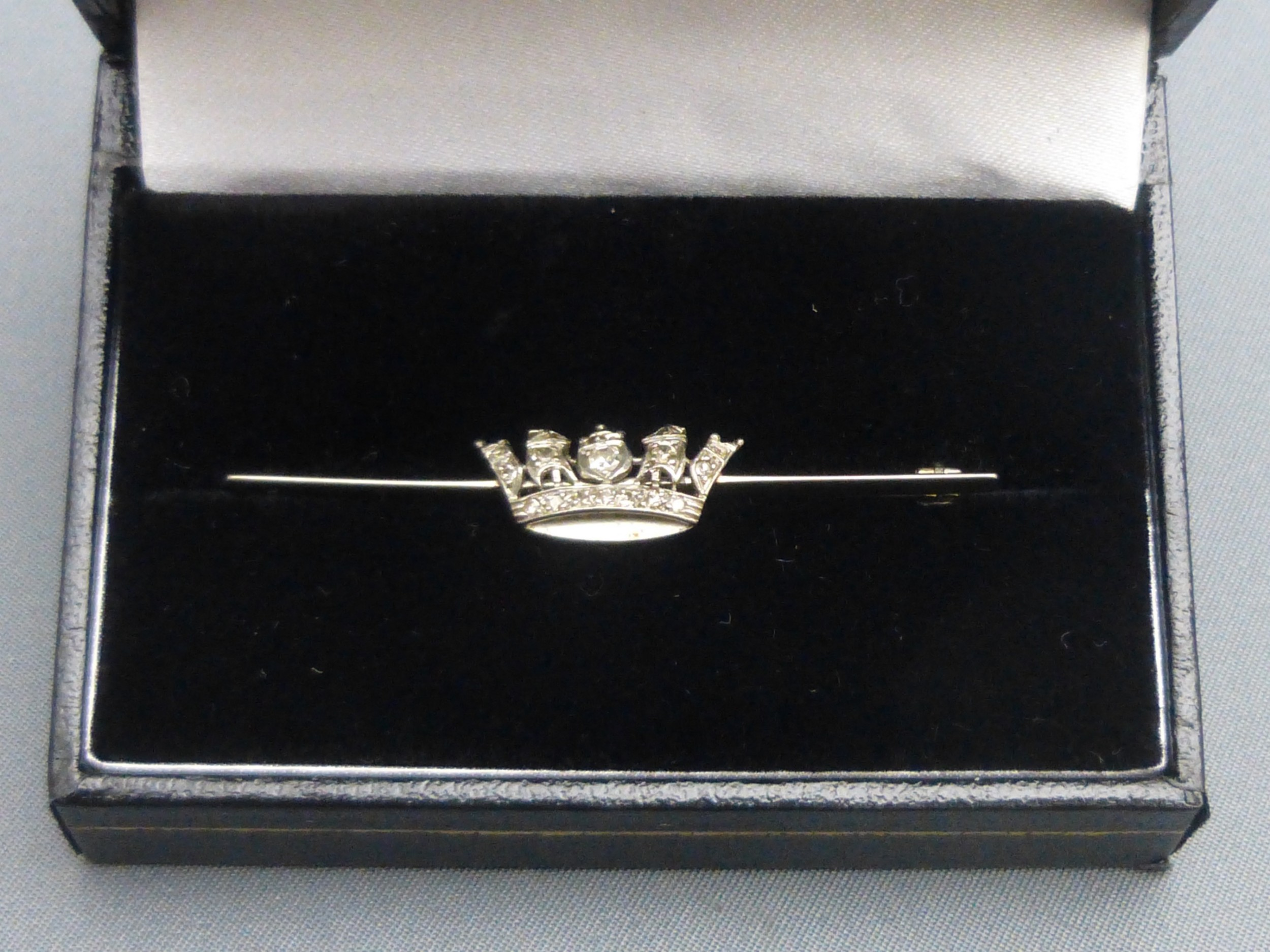 1930s 18ct white gold and diamond naval crown brooch