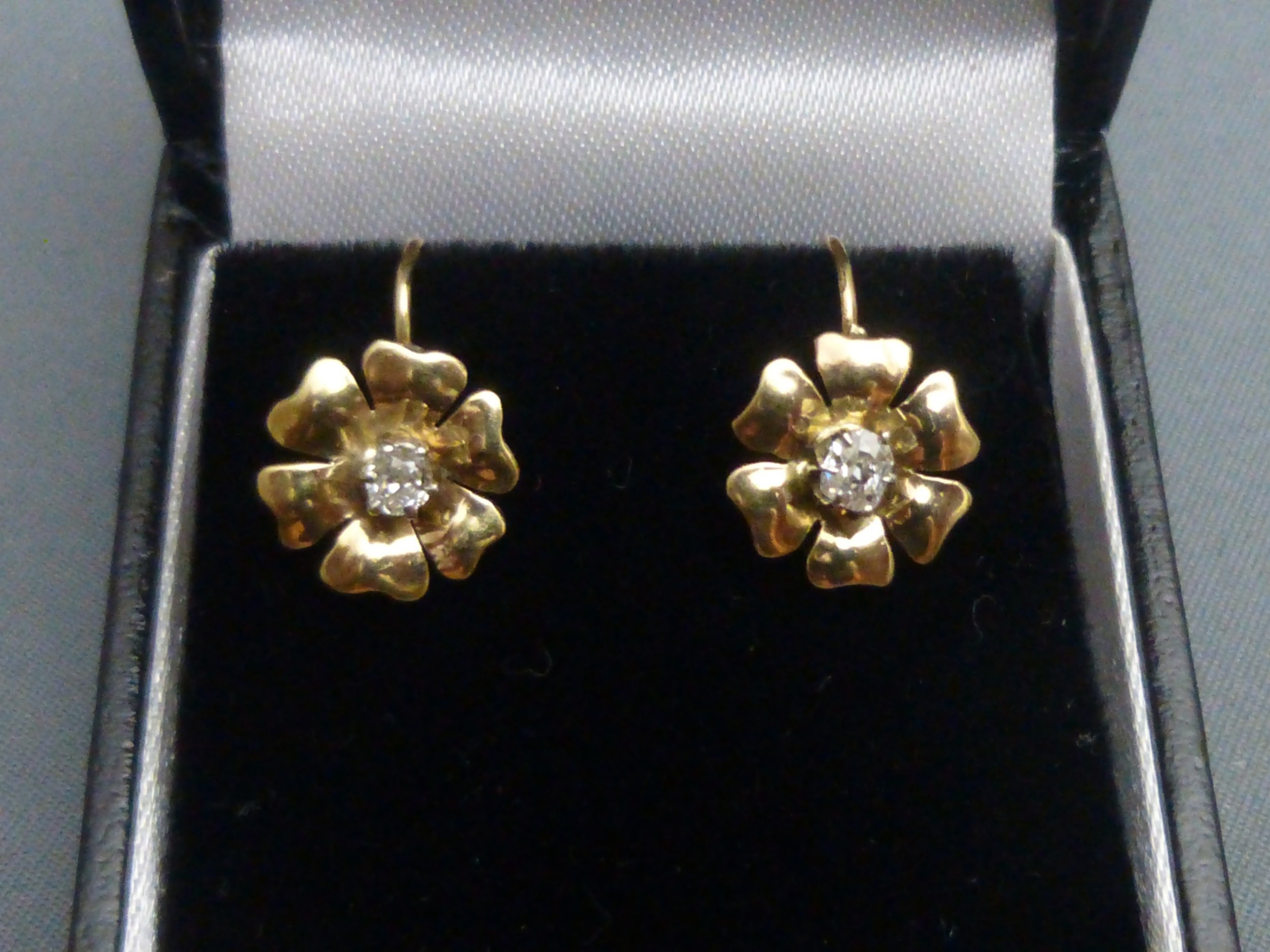 pair of edwardian 9ct gold and diamond earrings