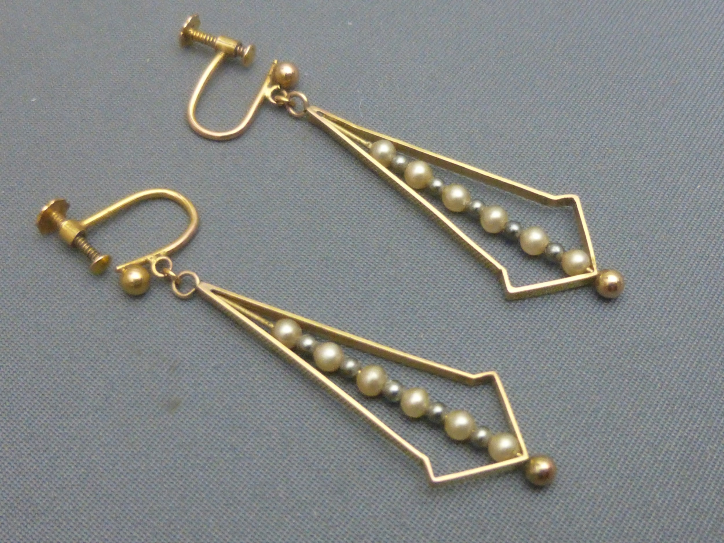 pair of art deco 9ct gold and pearl drop earrings