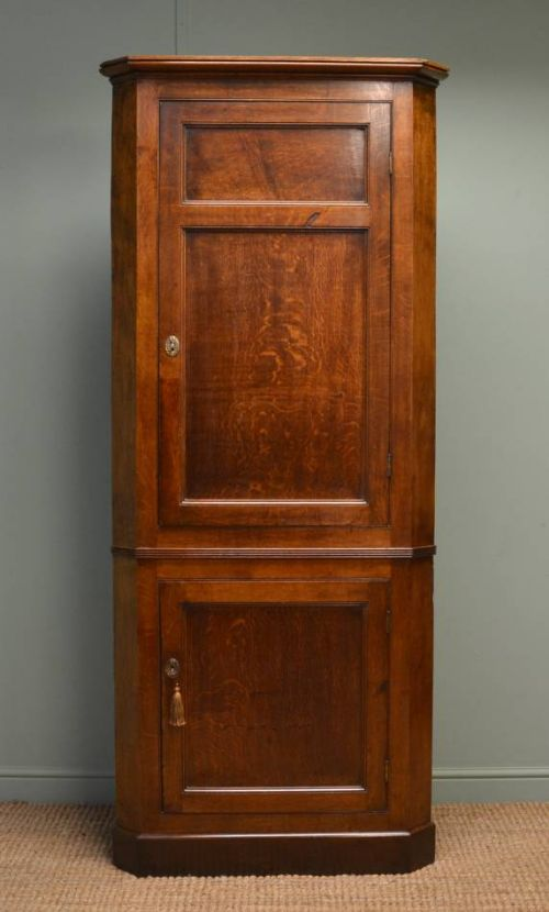 quality georgian figured oak large antique floor standing corner cupboard -  Quality Georgian Figured Oak Large - Antique Corner Cupboard Antique Furniture