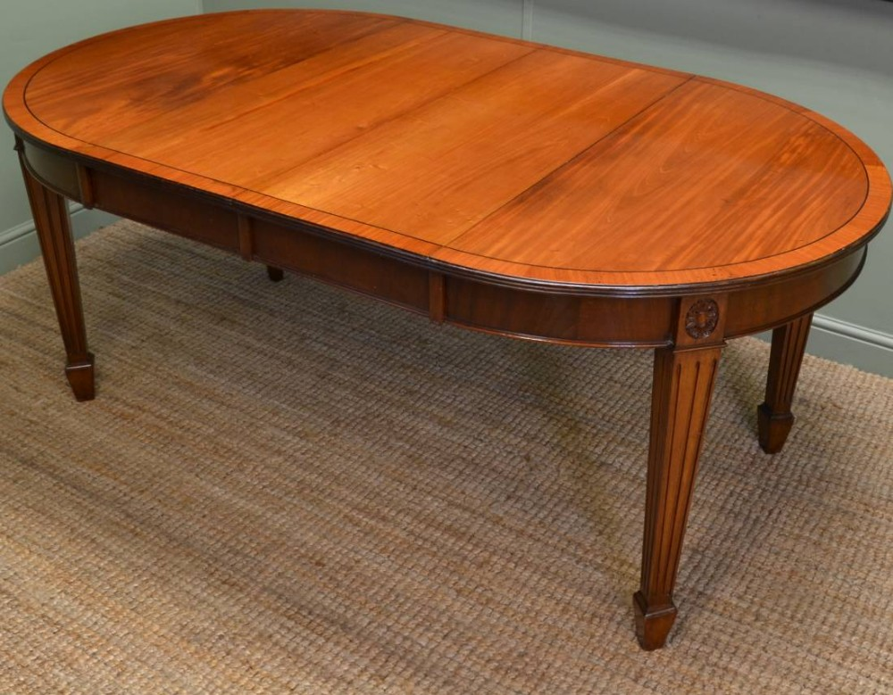 Edwardian Walnut Extending Antique Dining Table 260842  : dealerdriscollsantiqueshighres1390561329832 2692343334 from www.sellingantiques.co.uk size 1000 x 779 jpeg 178kB