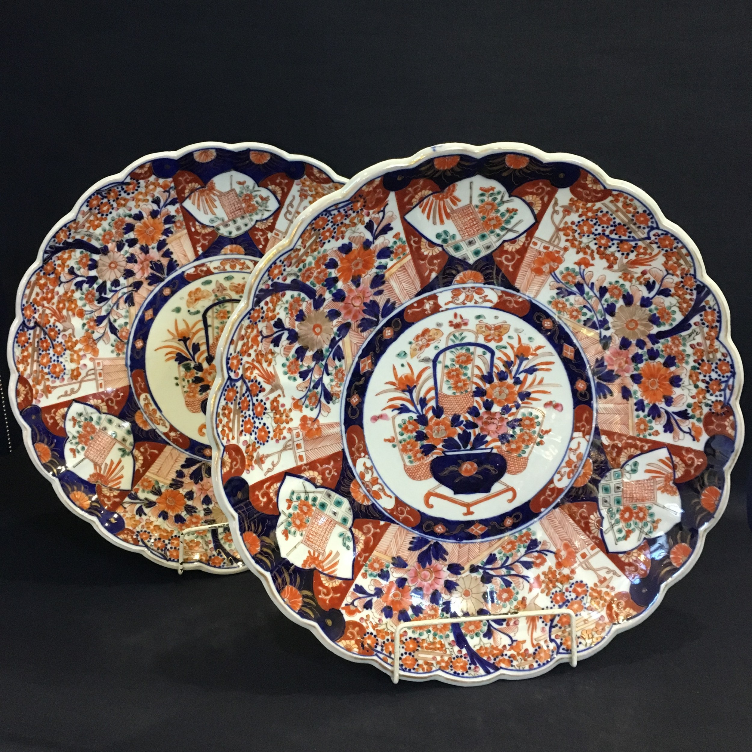 pair of large 19th century imari scalloped chargers