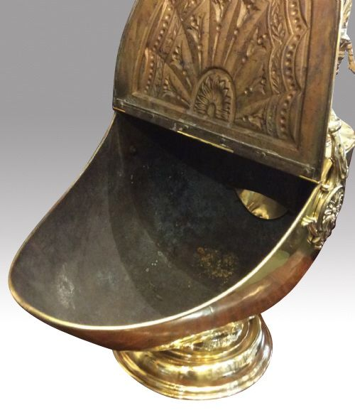 very clean quality antique brass coal scuttle complete with original shovel 349273. Black Bedroom Furniture Sets. Home Design Ideas