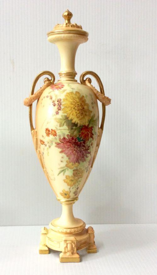f6b52db1a31 Antique Worcester Vases - The UK s Largest Antiques Website