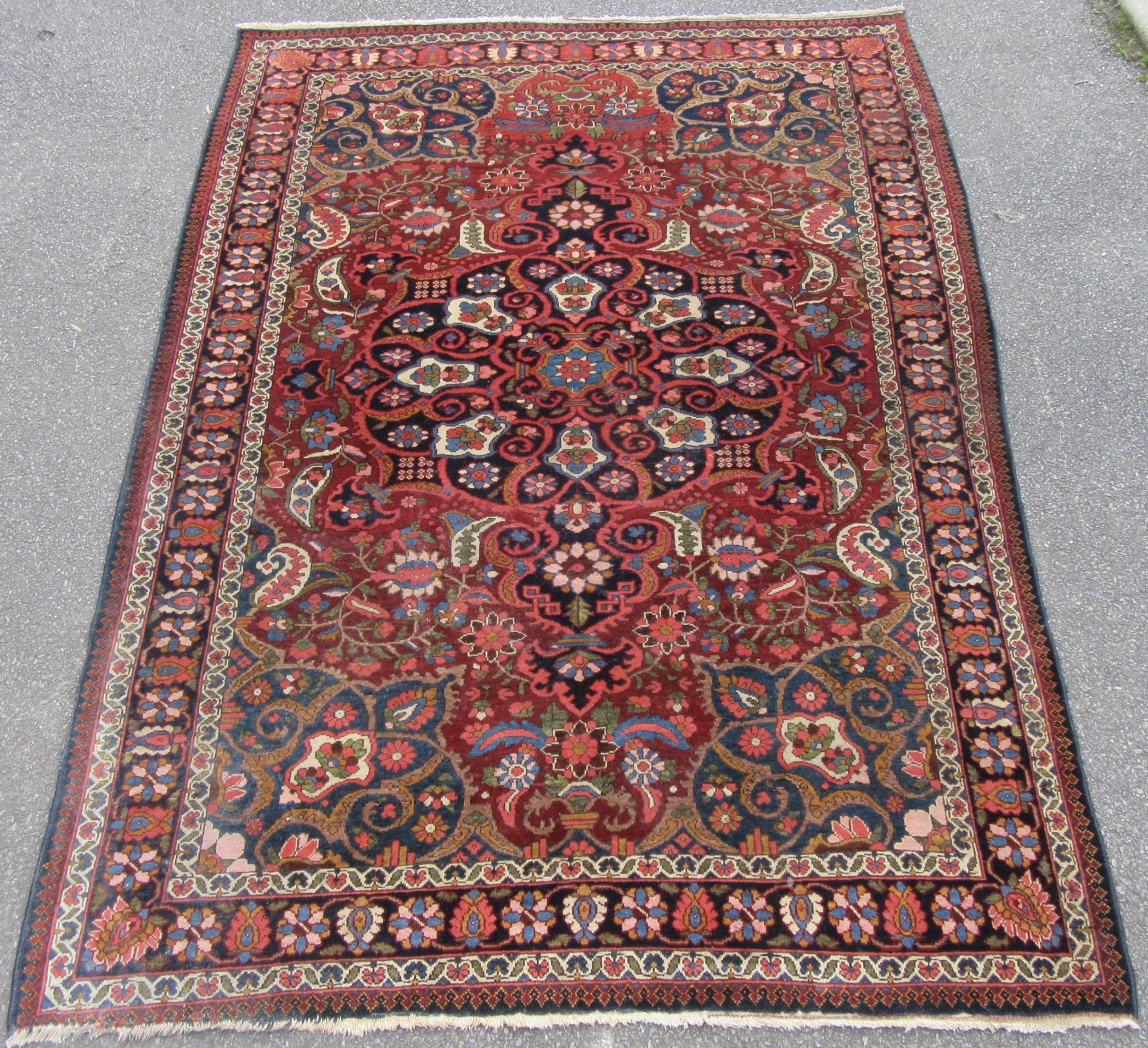 stunning fine antique persian kurdish bakhtiari rug carpet over 10 colours used in the weave