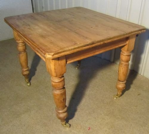 a lovely rustic victorian pine kitchen table