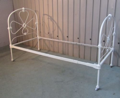 Victorian White Iron Beds : Victorian white painted single iron bed
