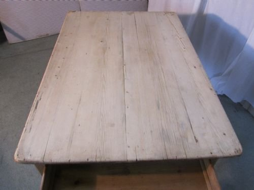 a traditional victorian scrub top pine kitchen table - photo angle #5