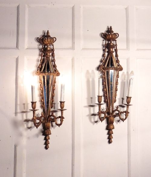 A Large Pair Of 19th Century Gilt Wood Giroles Or Wall Sconces 395643 Sellingantiques.co.uk