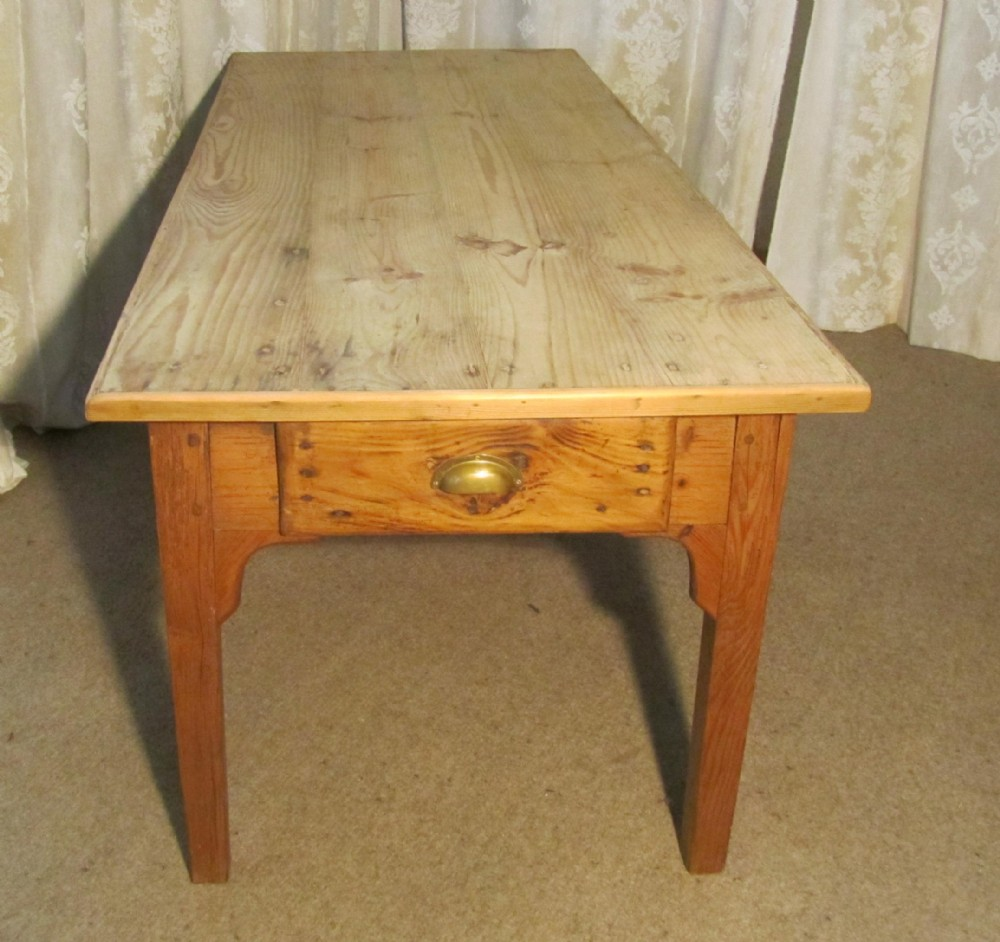 Pine Farmhouse Kitchen Table A Large French Pine Scrub Top Farmhouse Kitchen Table 252041