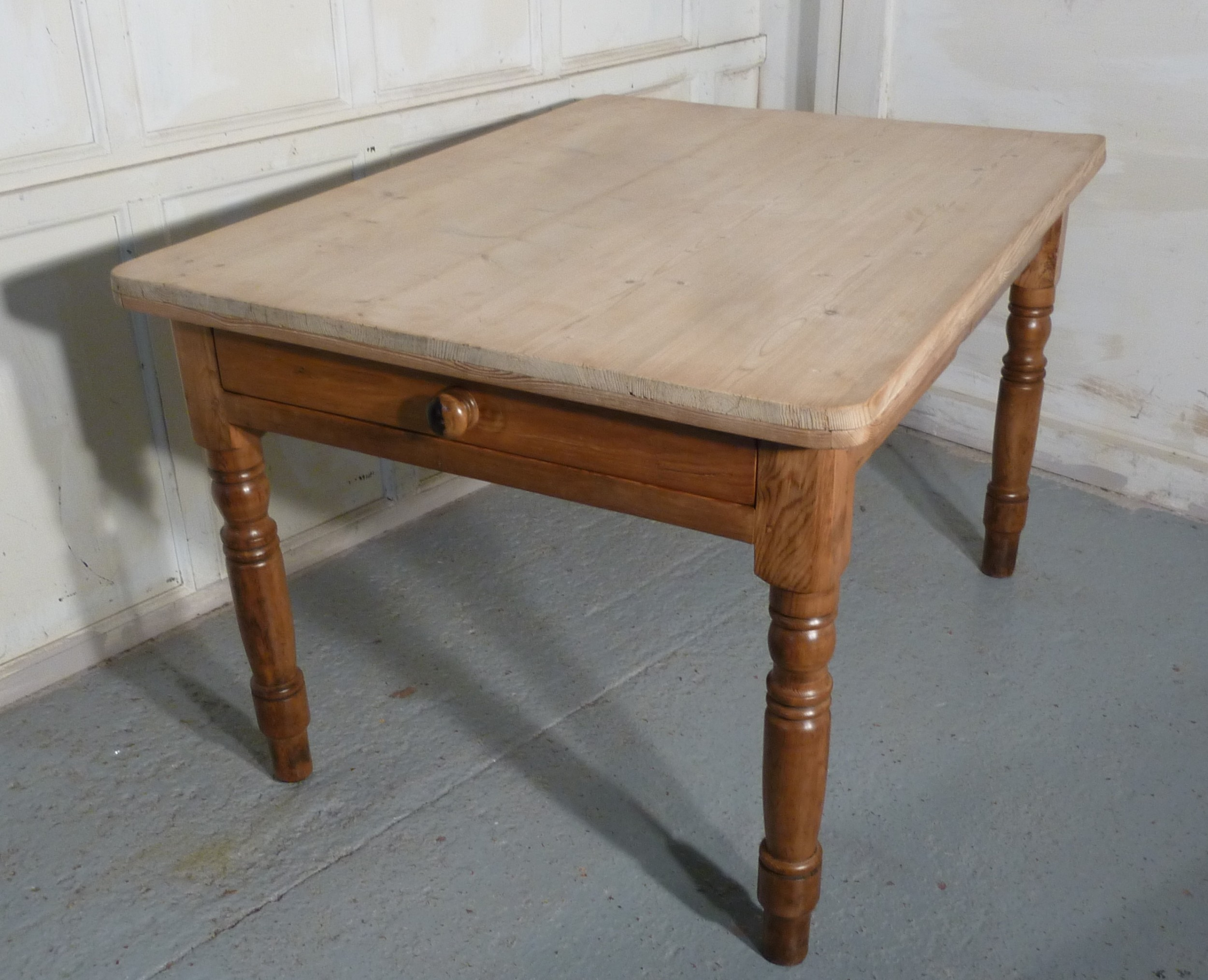 a traditional victorian scrub top pine kitchen table