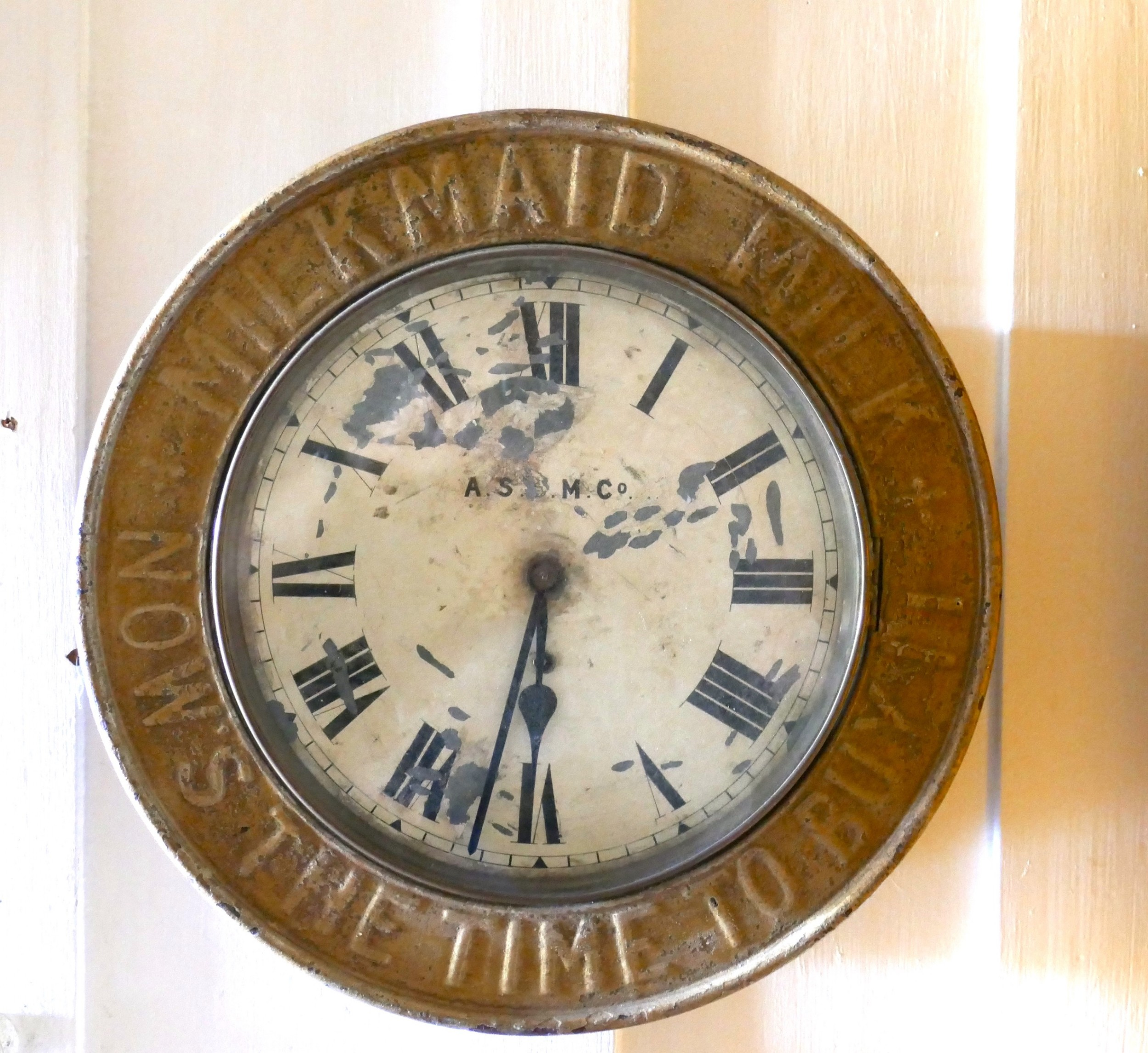 original mikmaid milk advertising clock by the ascm co