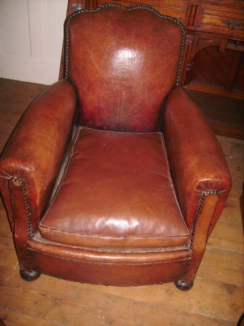 Declaration - Vintage French Studded Leather Club Chair 83098 Sellingantiques