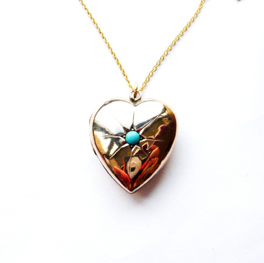 late victorian 9ct gold turquoise glass heart locket