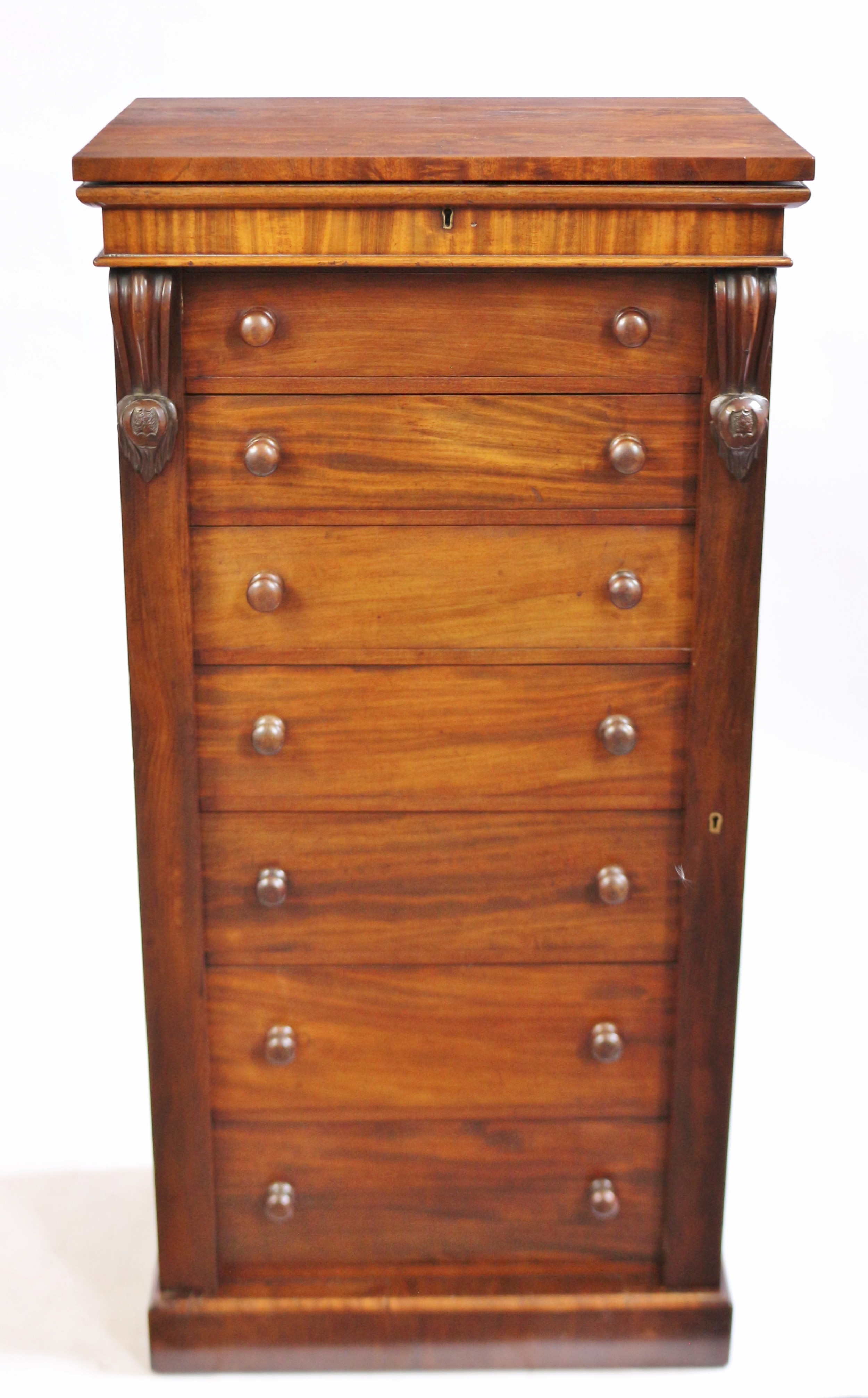 fine quality victorian mahogany 7 drawer wellington chest with compartment top