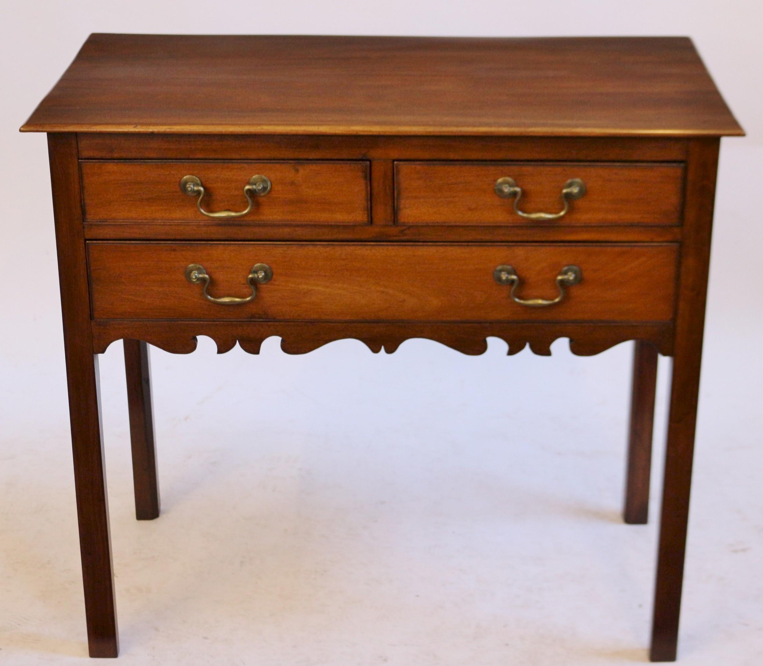 george 111 mahogany 3 drawer lowboy side table