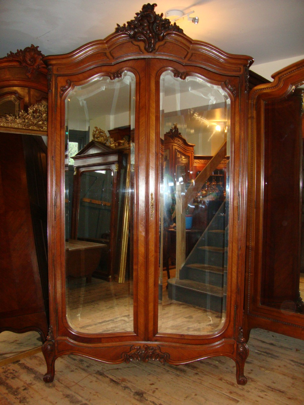 Merveilleux French Louis Xv Style Rosewood Armoire