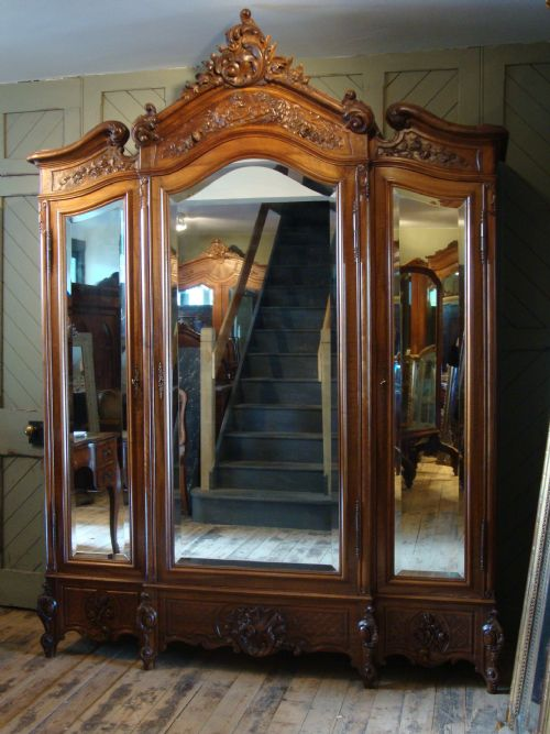 french louis xv style triple door armoire 185108. Black Bedroom Furniture Sets. Home Design Ideas
