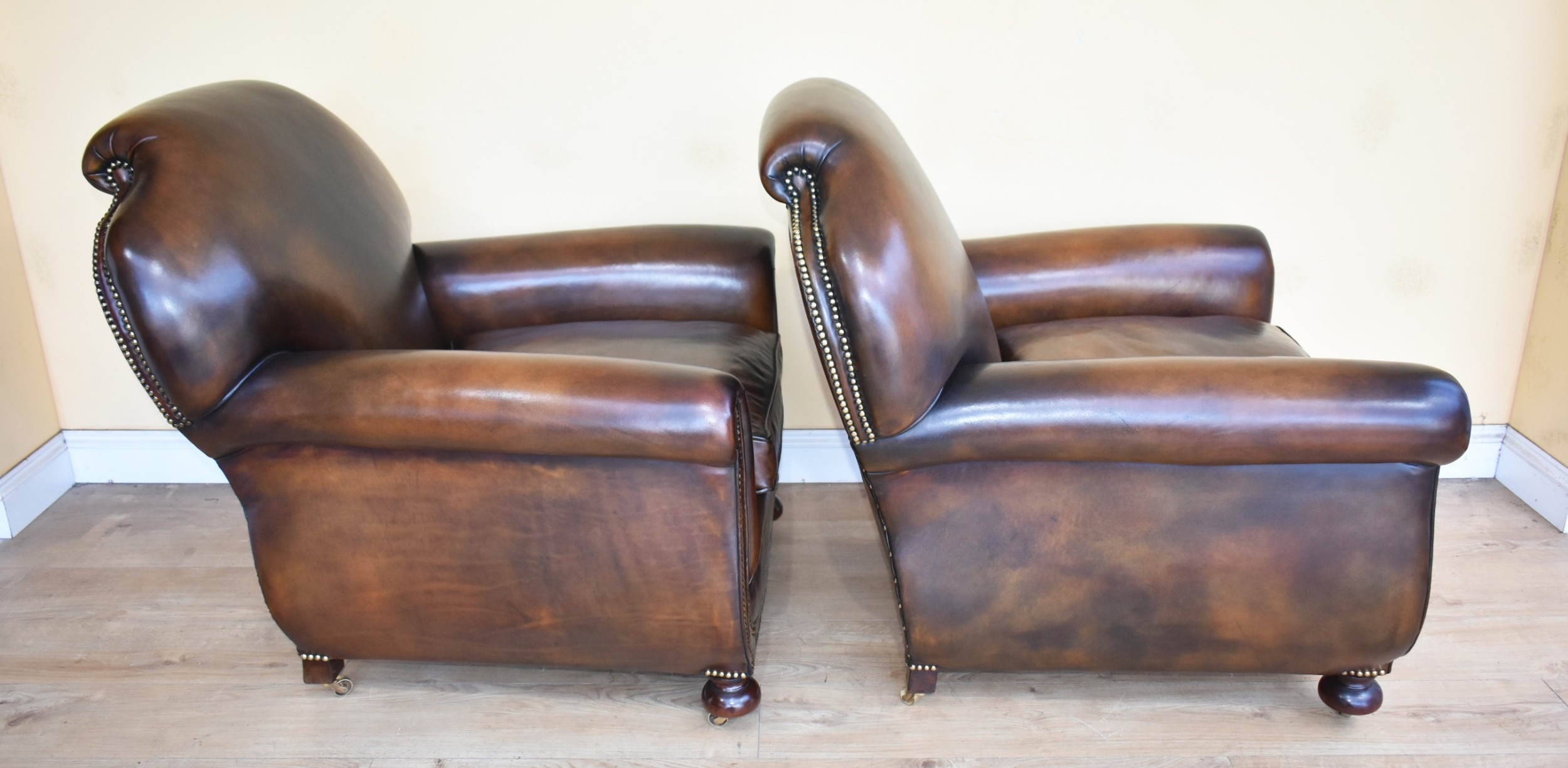 Quality Pair Antique Leather Club Armchairs | 600112 ...