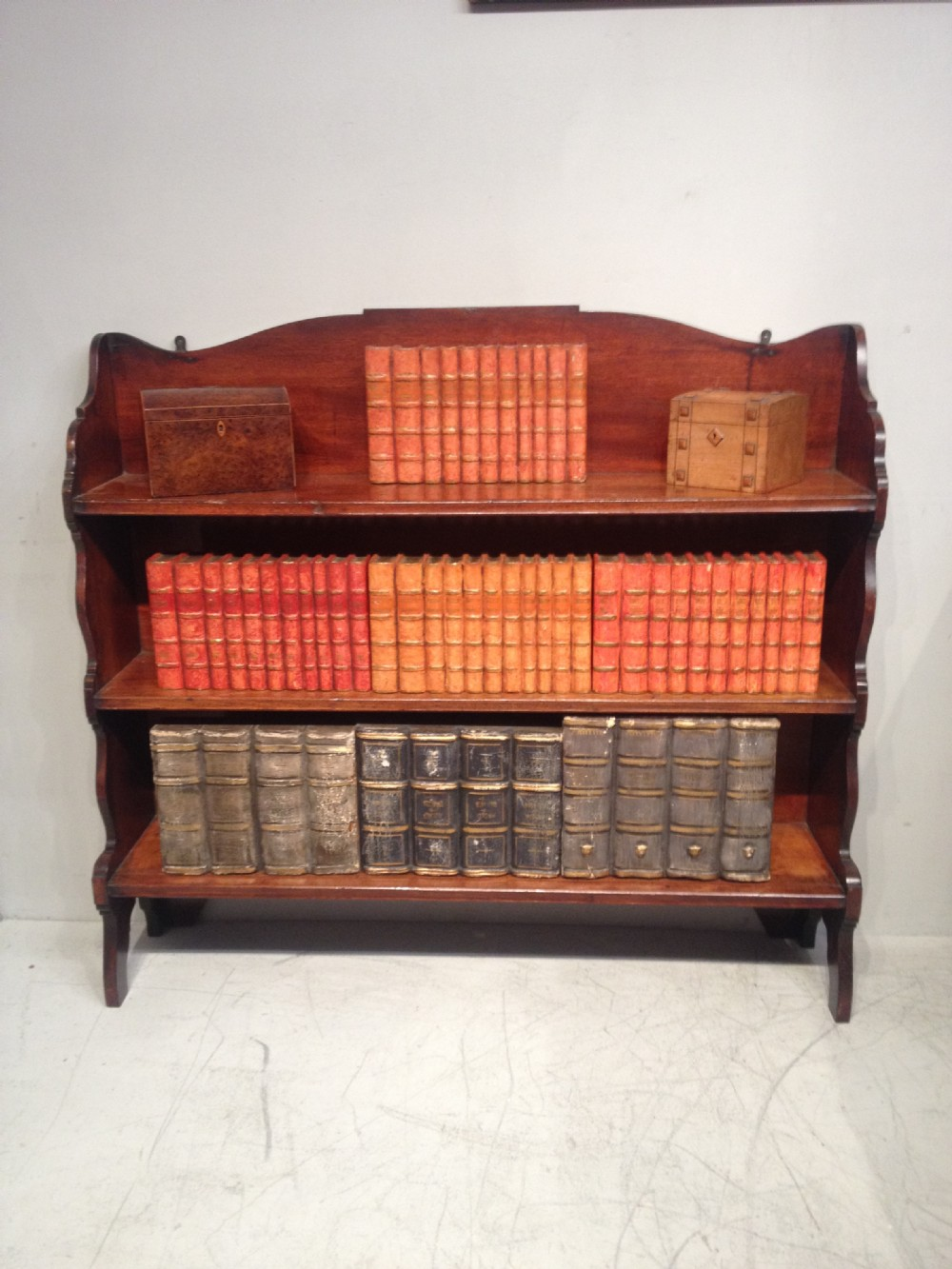 georgian mahogany bookshelves