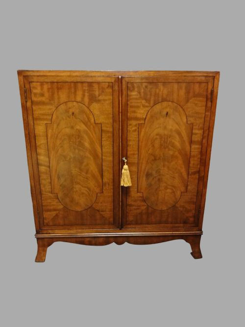 Fernyhough Antiques Ltd - Antique Cupboards - The UK's Largest Antiques Website